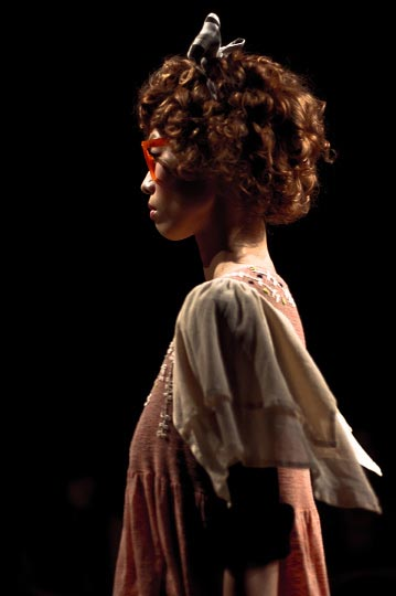 Profile Photo by danny roberts of a cute japanese girl model with curly brown hair in Everlasting sprout Spring 2012 Collction for Japan Fashion week